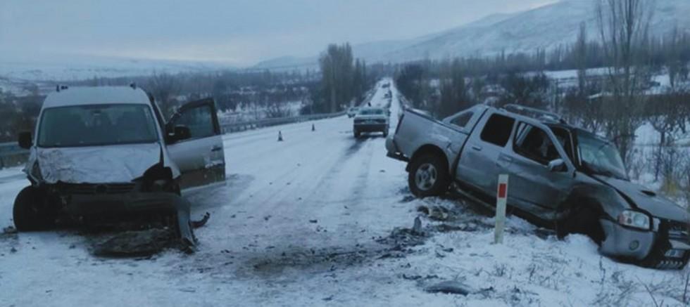 Çamardı Bademdere yolunda kaza 4 yaralı