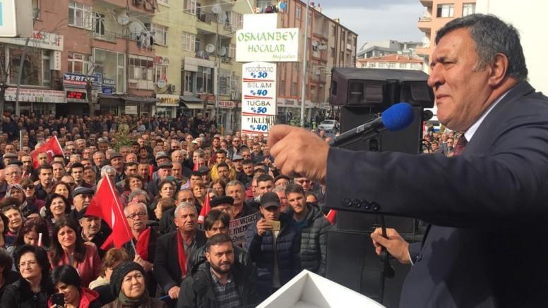 CHP Grup Başkanvekili Özgür Özel, Ömer Fethi Gürer için Niğdelilere Teşekkür Etti
