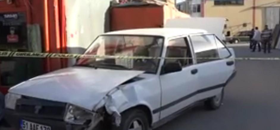'Dur' İhtarına Uymayan Sürücü Polisleri Ezdi