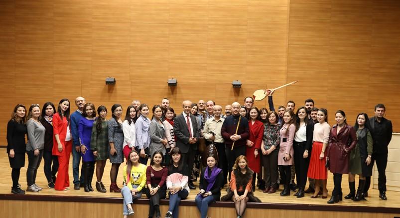 İlk Kazak Öğrenci Grubu Üniversitede
