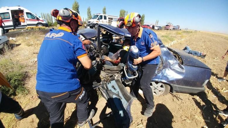 Ulukışla İlçesinde Trafik Kazası 1 Ölü 4 Yaralı