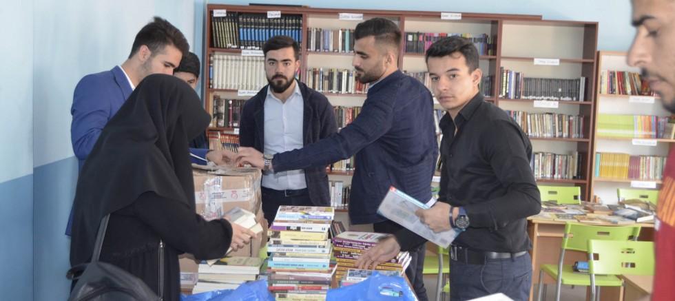 Üniversite Öğrencilerinden Öğrencilere Kitap Desteği